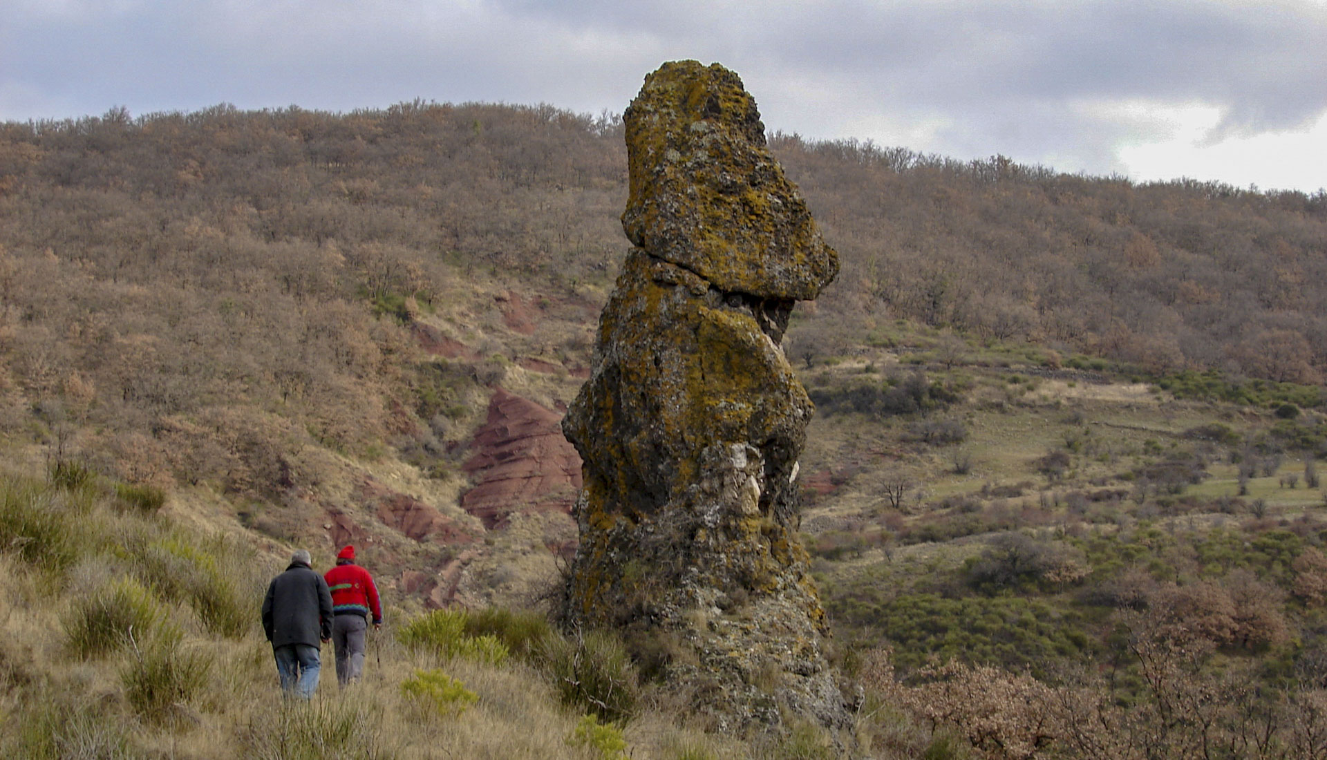 Neck volcanique Moureze vers Brénas © C.Lescingland