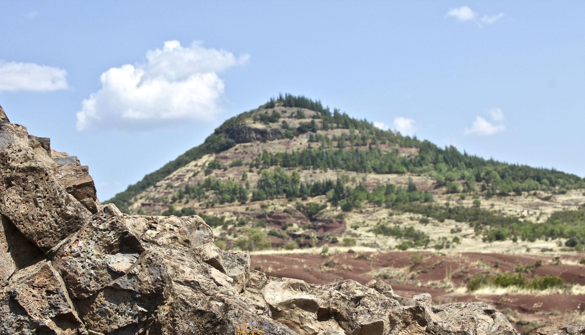 Basalte noir volcanique Grand Site Mourèze © AC Montpellier