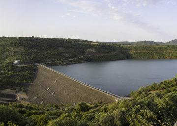 Barrage du Salagou @ Christian Ferrer : Wikimedia Commons 2